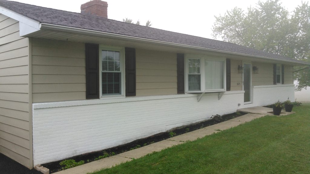 aluminum siding replaced with vinyl